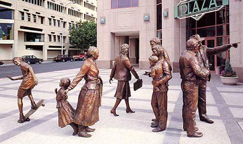 Vajarstvo-skulpture - Page 6 Sidewalk_societyLG